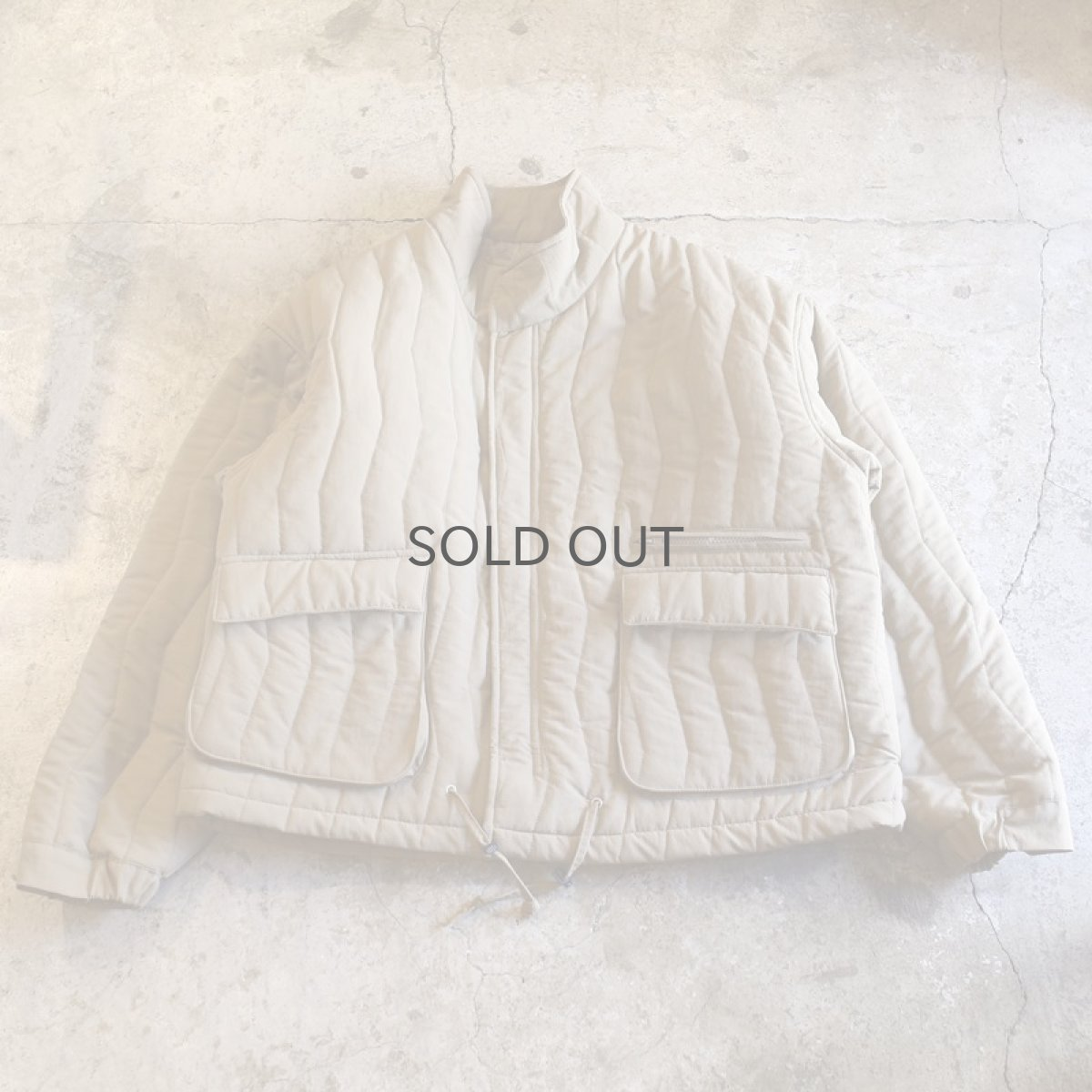 画像1: 20%OFF!!【WONDERGROUND】ZIGZAG QUILTING LGT JACKET / BEIGE (1)