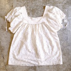 画像1: SQUARE NECK LACE BLOUSE / Ladies M (1)