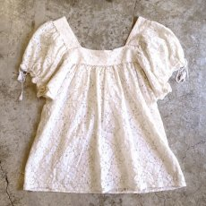 画像2: SQUARE NECK LACE BLOUSE / Ladies M (2)