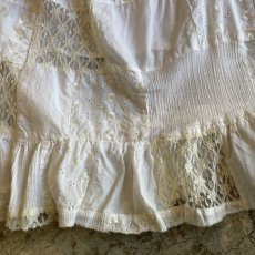 画像8: OLD PATCHWORK LACE TIERED SKIRT / W26~ (8)