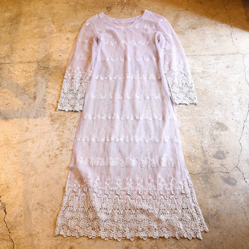 画像1: FLORAL EMBROIDERY DESIGN TULLE ONE-PIECE (1)